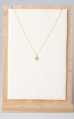 Star pendant with zirconia